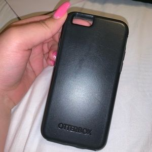 Black IPhone 6 otterbox case